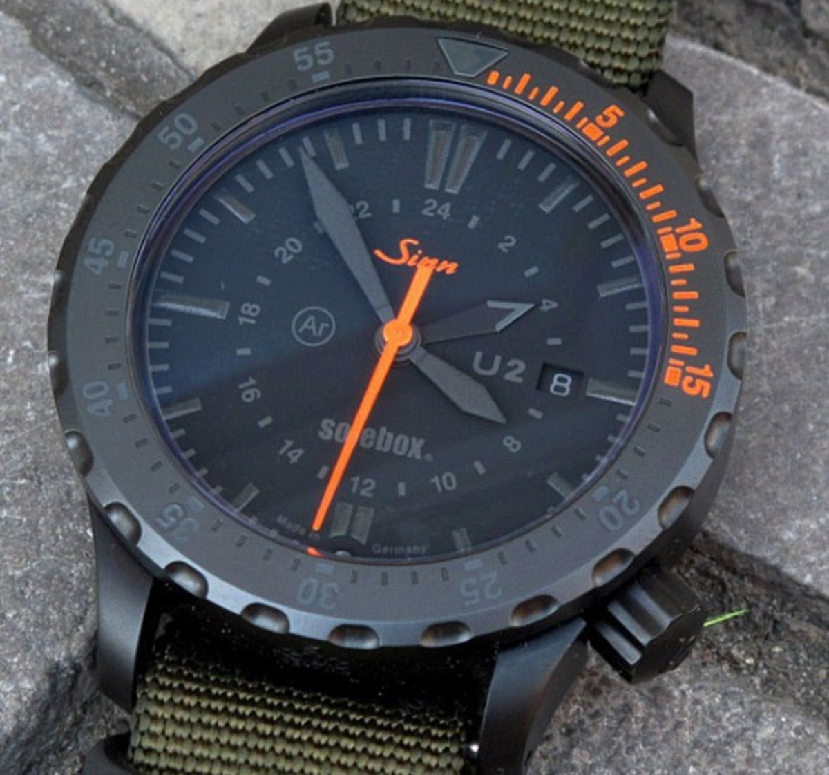 solebox-sinn-u2-diving-watch-03