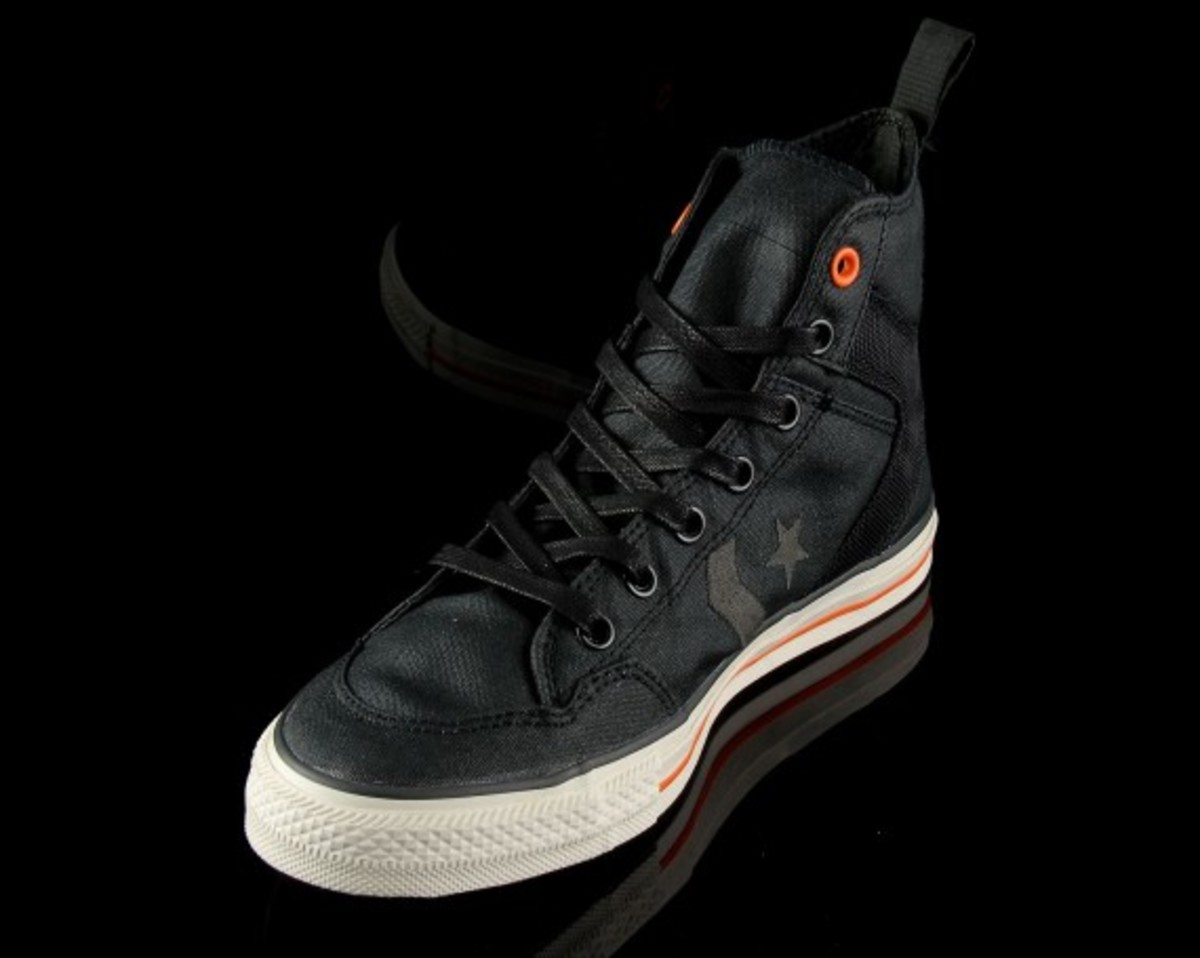 size-anniversary-converse-poorman-weapon-blk-02