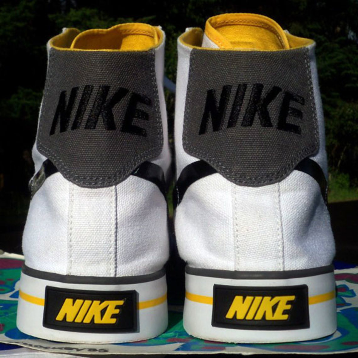 nike-sweet-classic-high-livestrong-promo-06