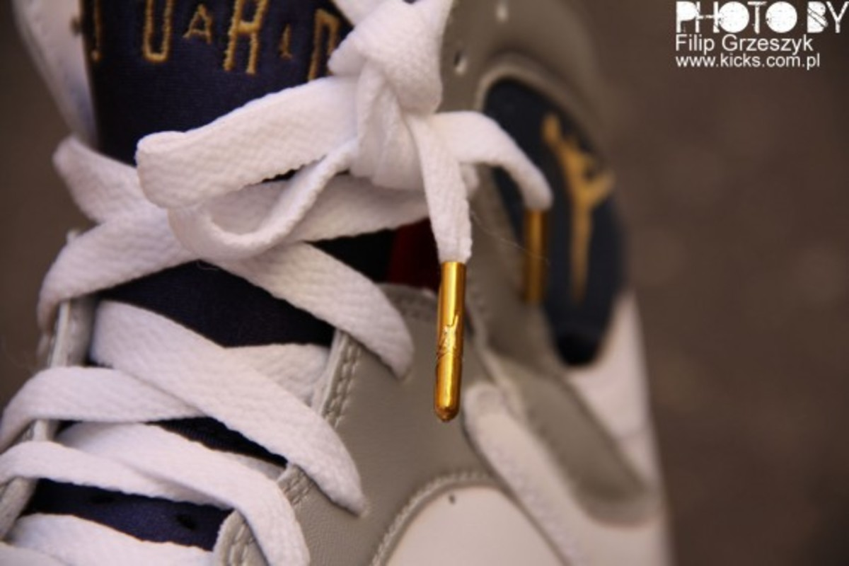 nike-air-jordan-vii-7-retro-olympic-06