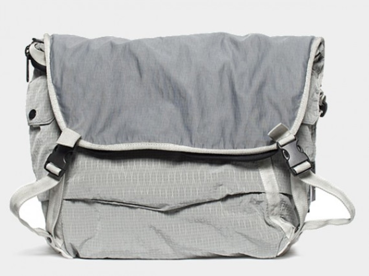 Transformable Messenger Bag Gray