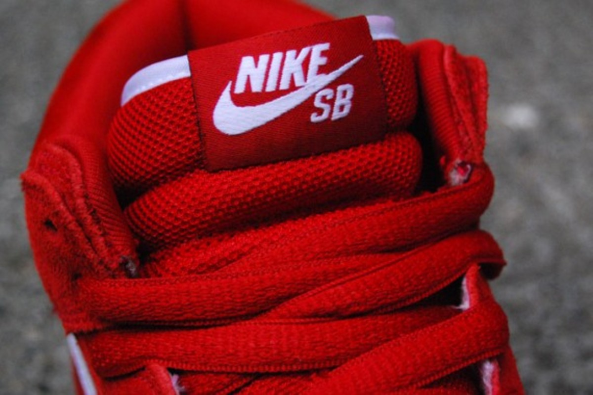 Dunk SB Mid - Red - White - Gum 5