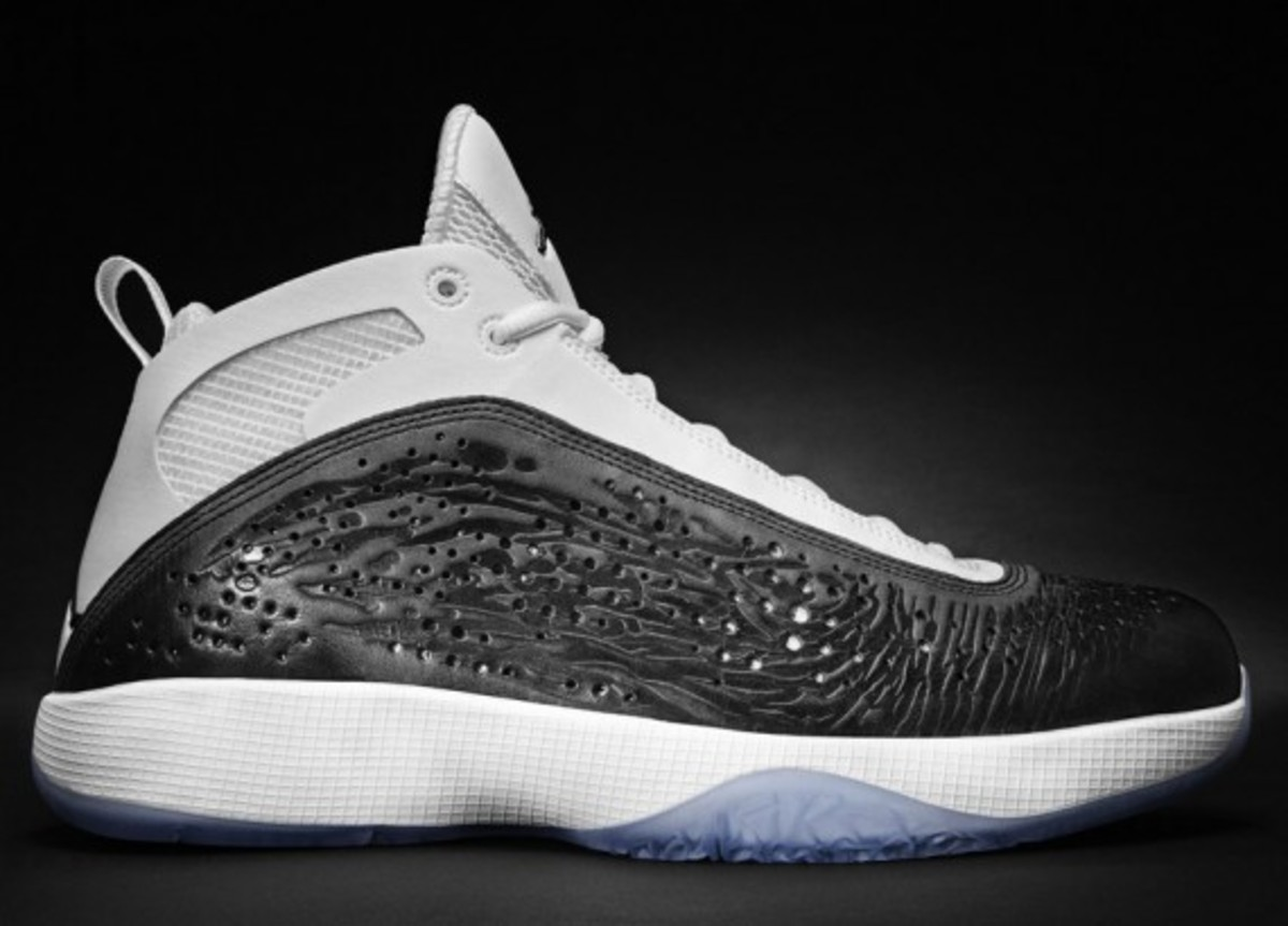 AIR-JORDAN-2011-white-black-003