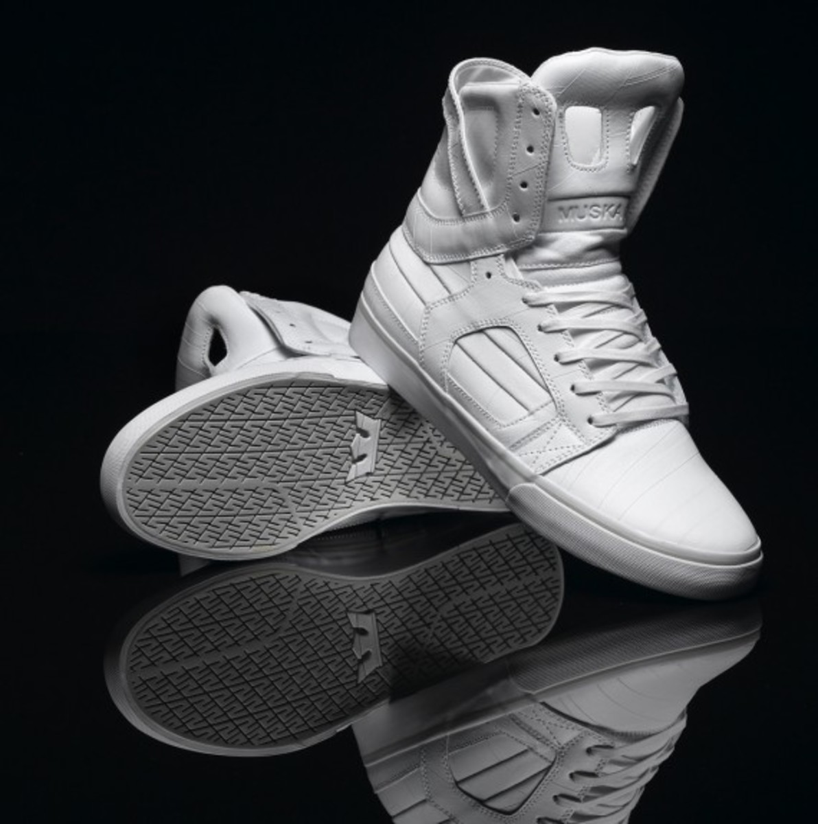 supra-holiday-2010-skytop-ii-white-tuf-02
