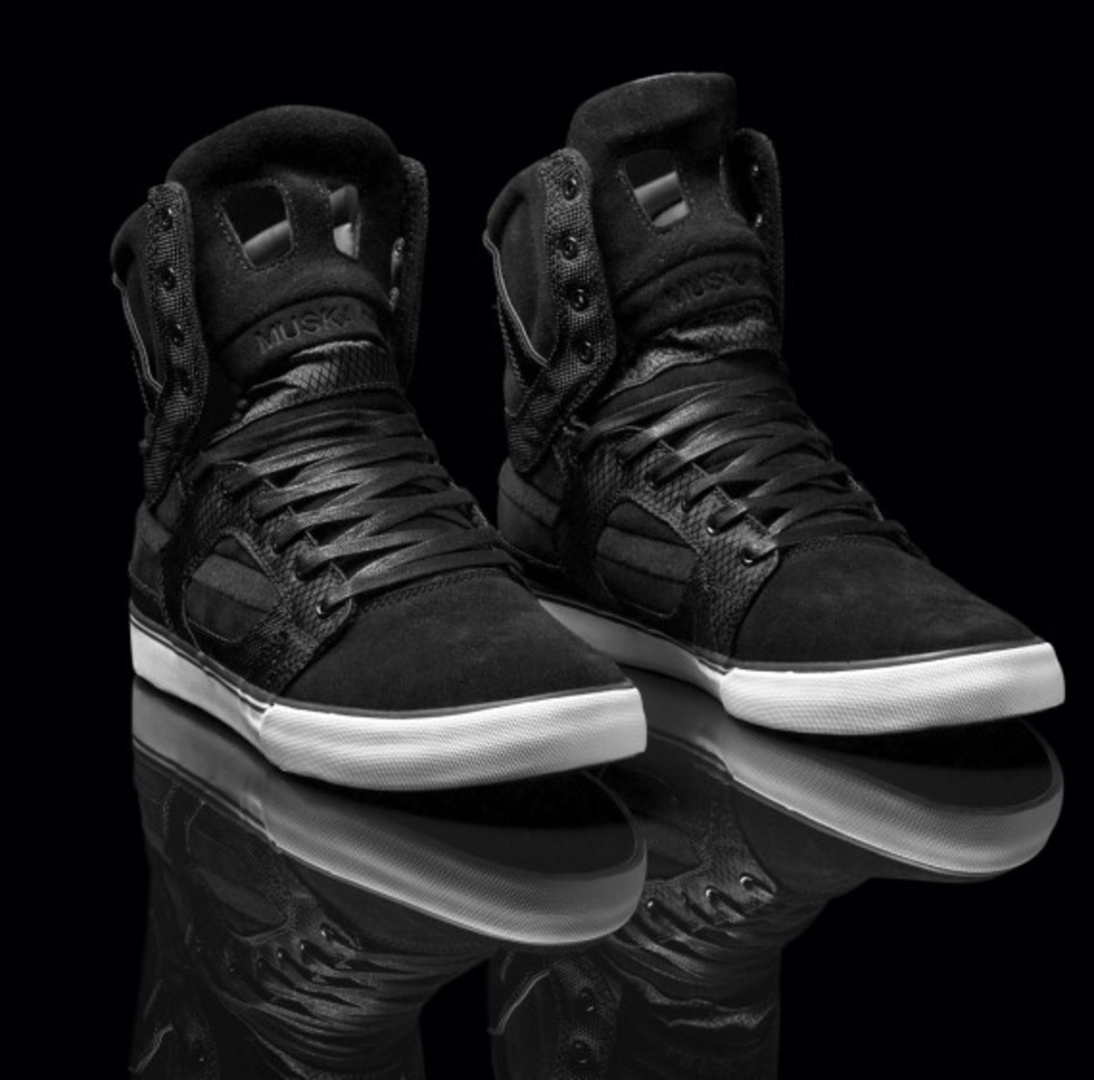 supra-holiday-2010-skytop-ii-mixed-01