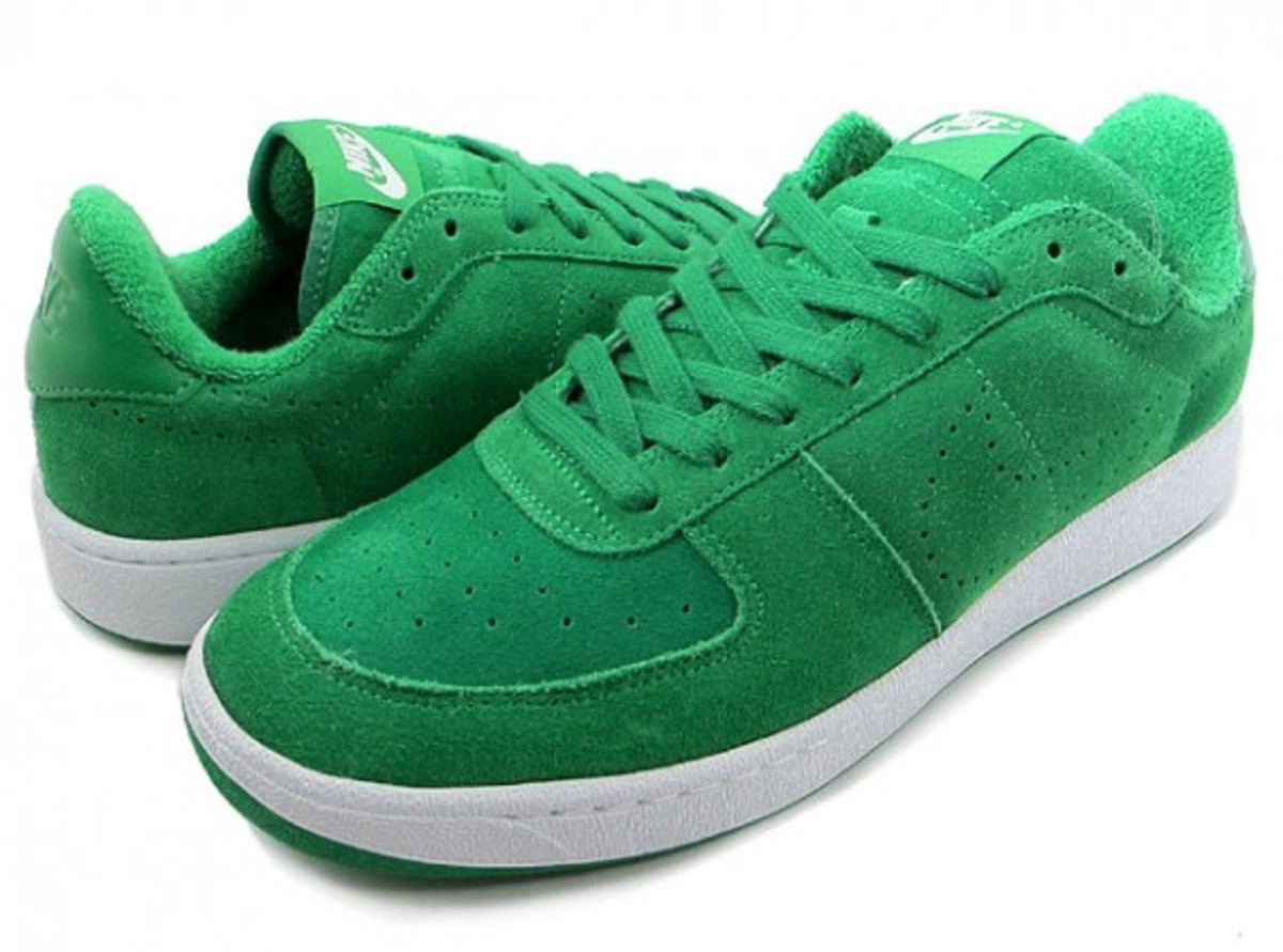 nike-zoom-supreme-court-low-2
