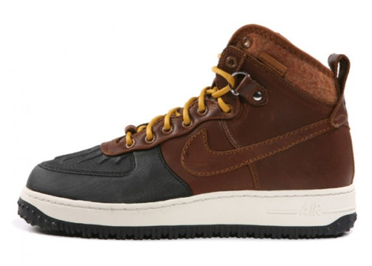nike-air-force-1-duck-boot-03