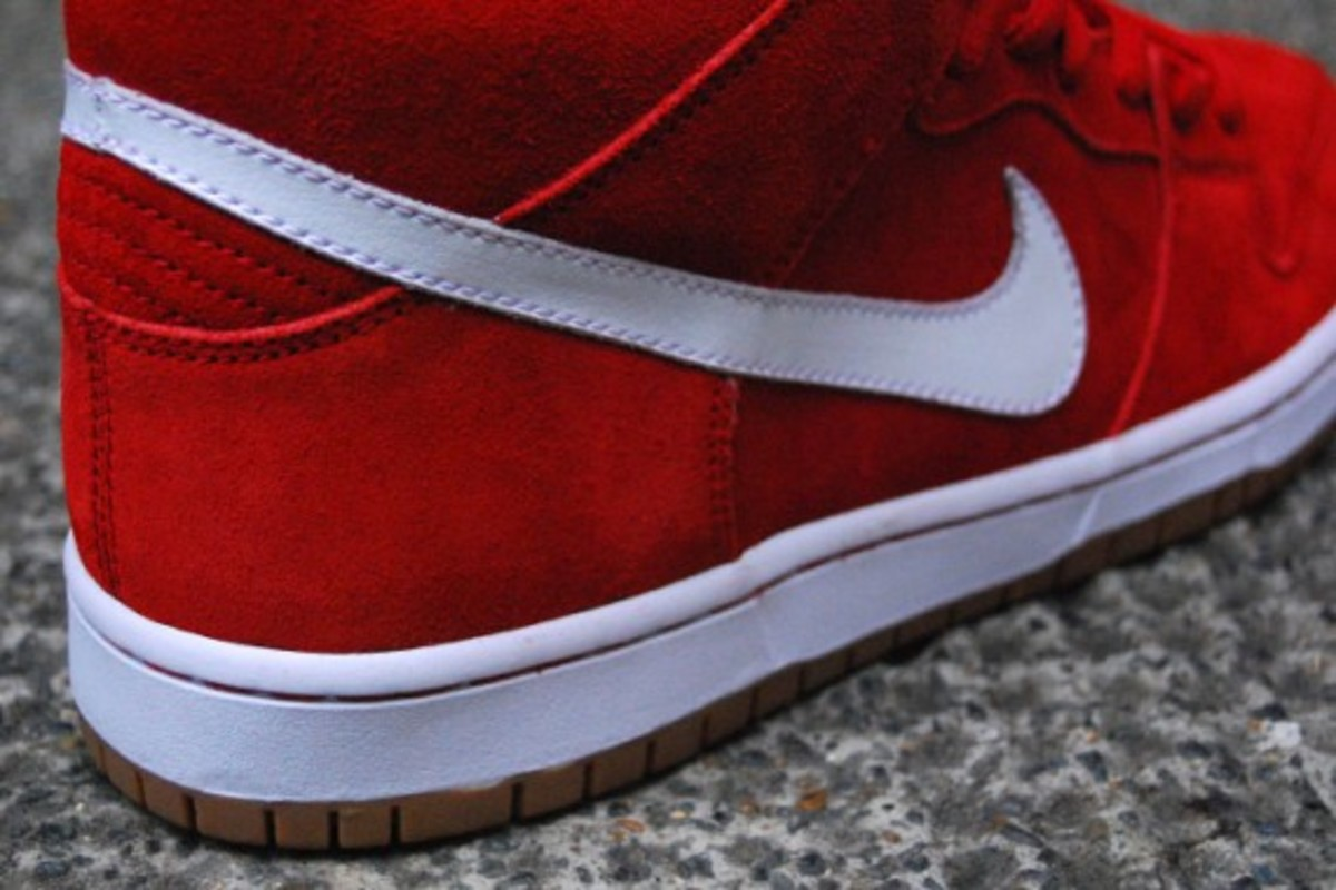 Dunk SB Mid - Red - White - Gum 3