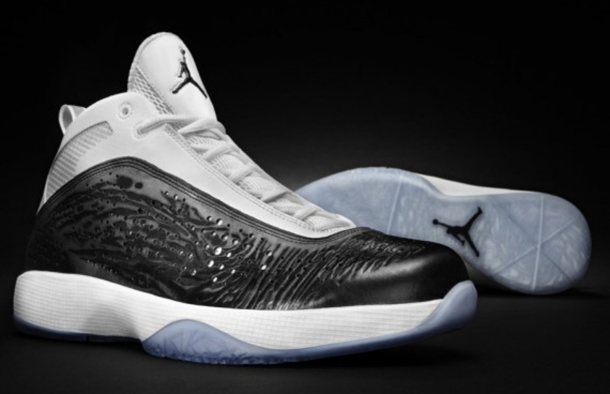AIR-JORDAN-2011-white-black-002