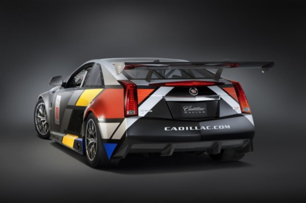 CTS-V Racing Coupe 4