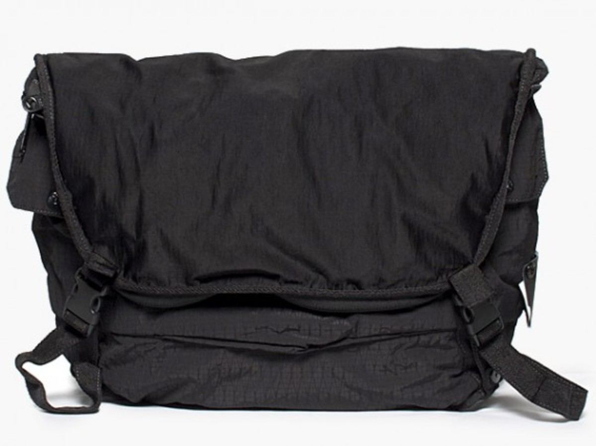 Transformable Messenger Bag Black