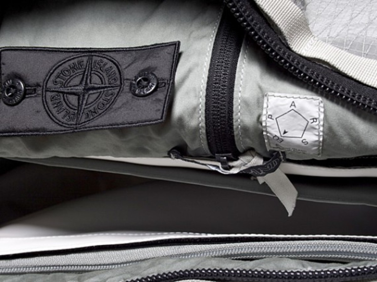 Transformable Messenger Bag Gray 3