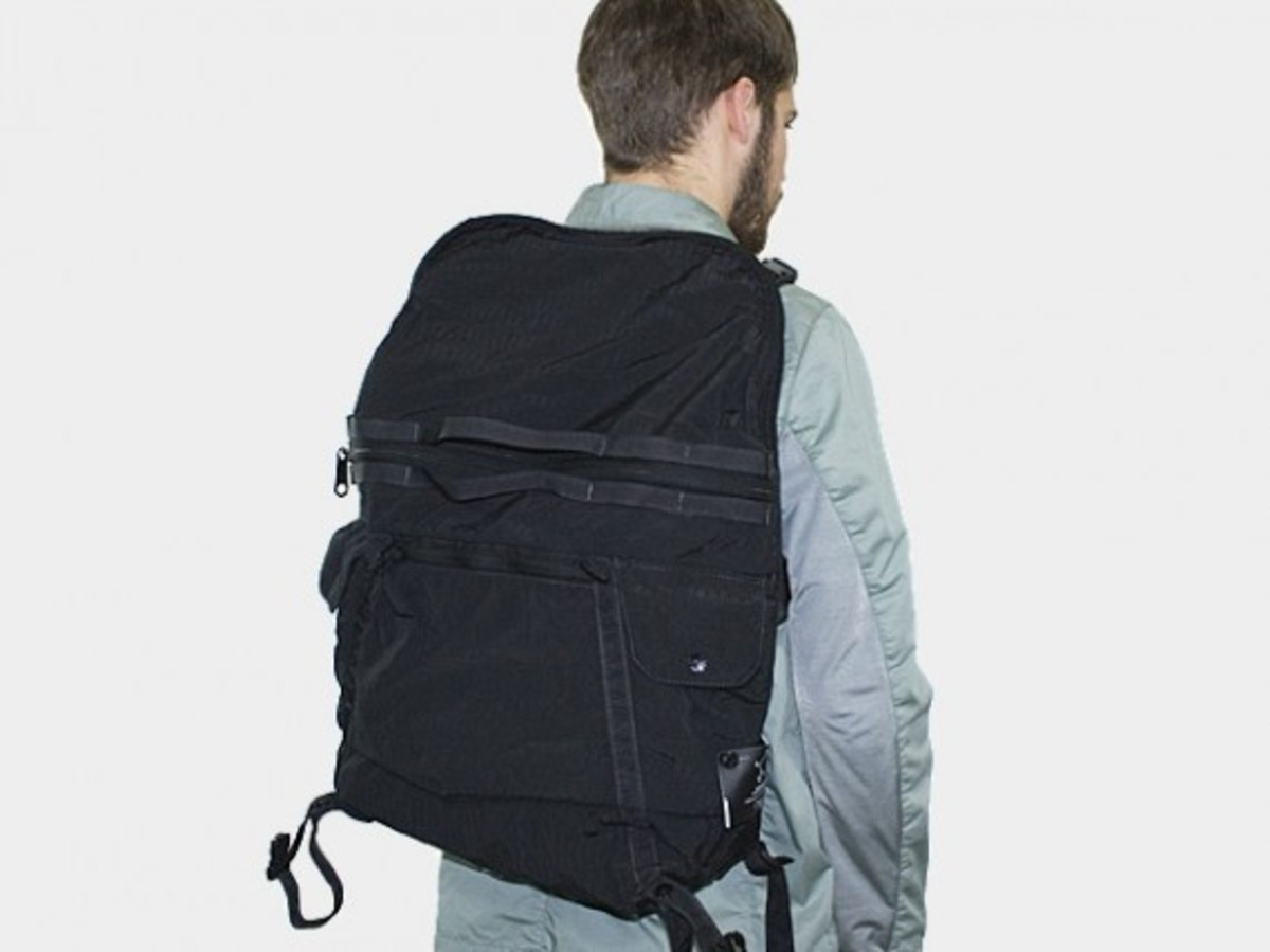 Transformable Messenger Bag Black 3