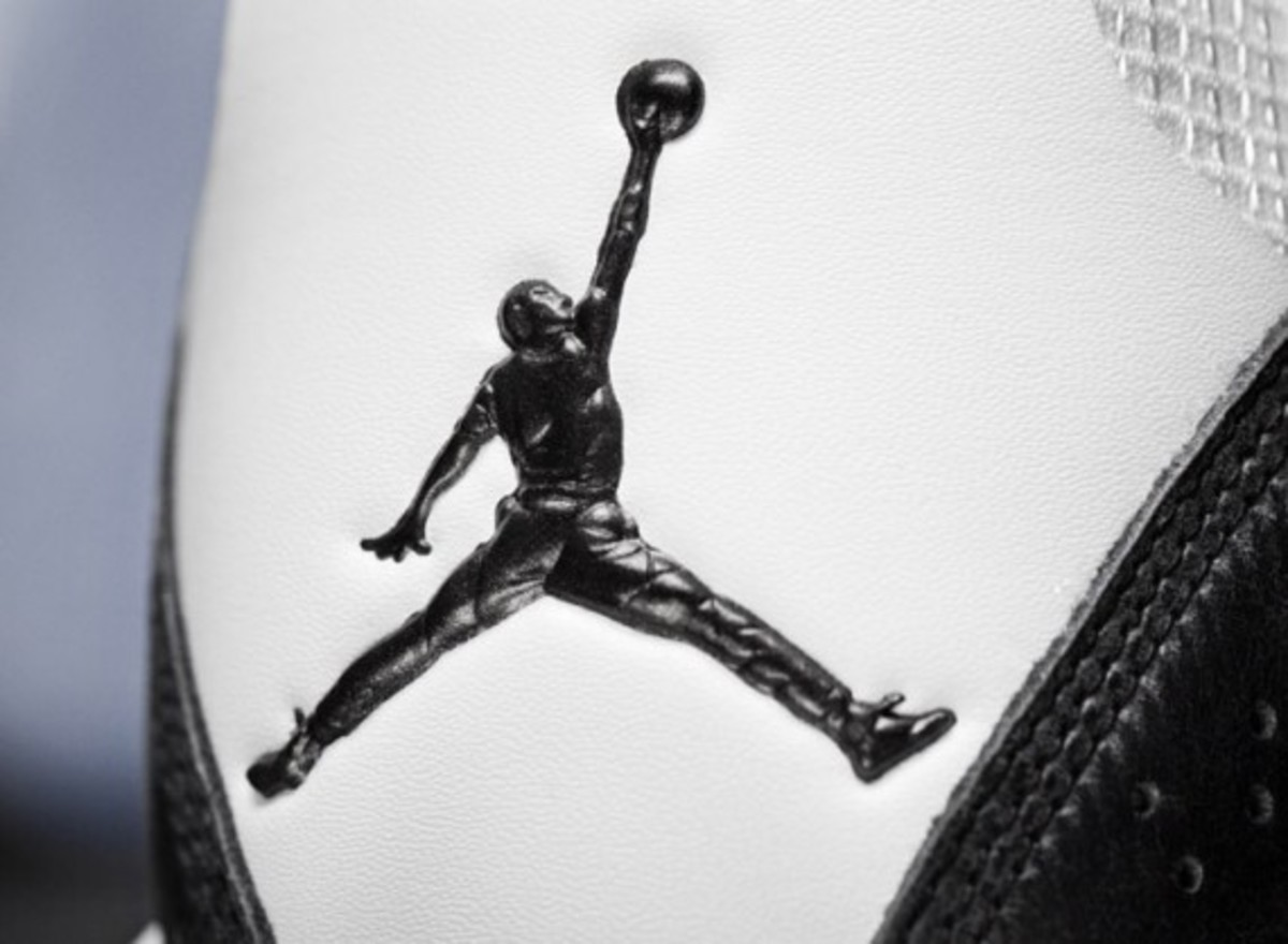 AIR-JORDAN-2011-white-black-011