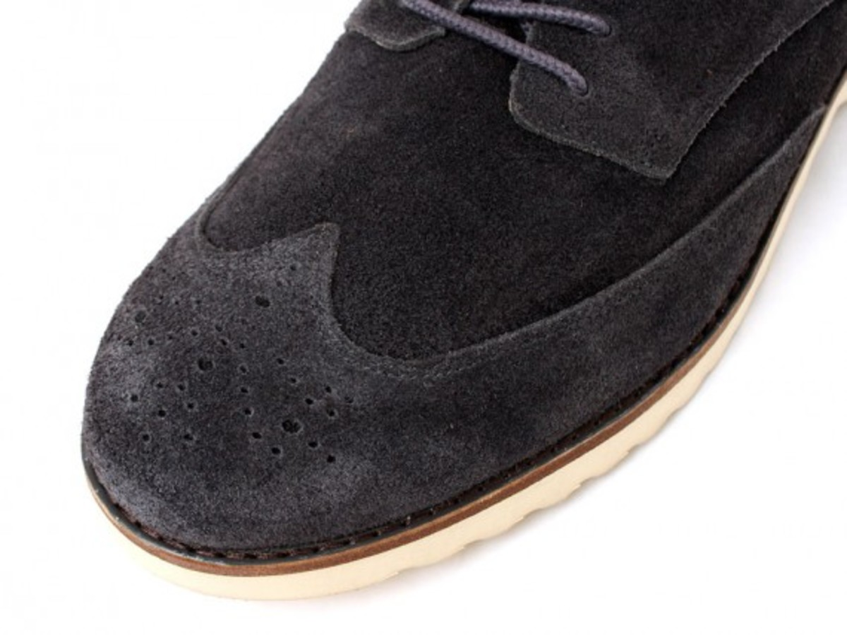 Wing Tip Shoes 3