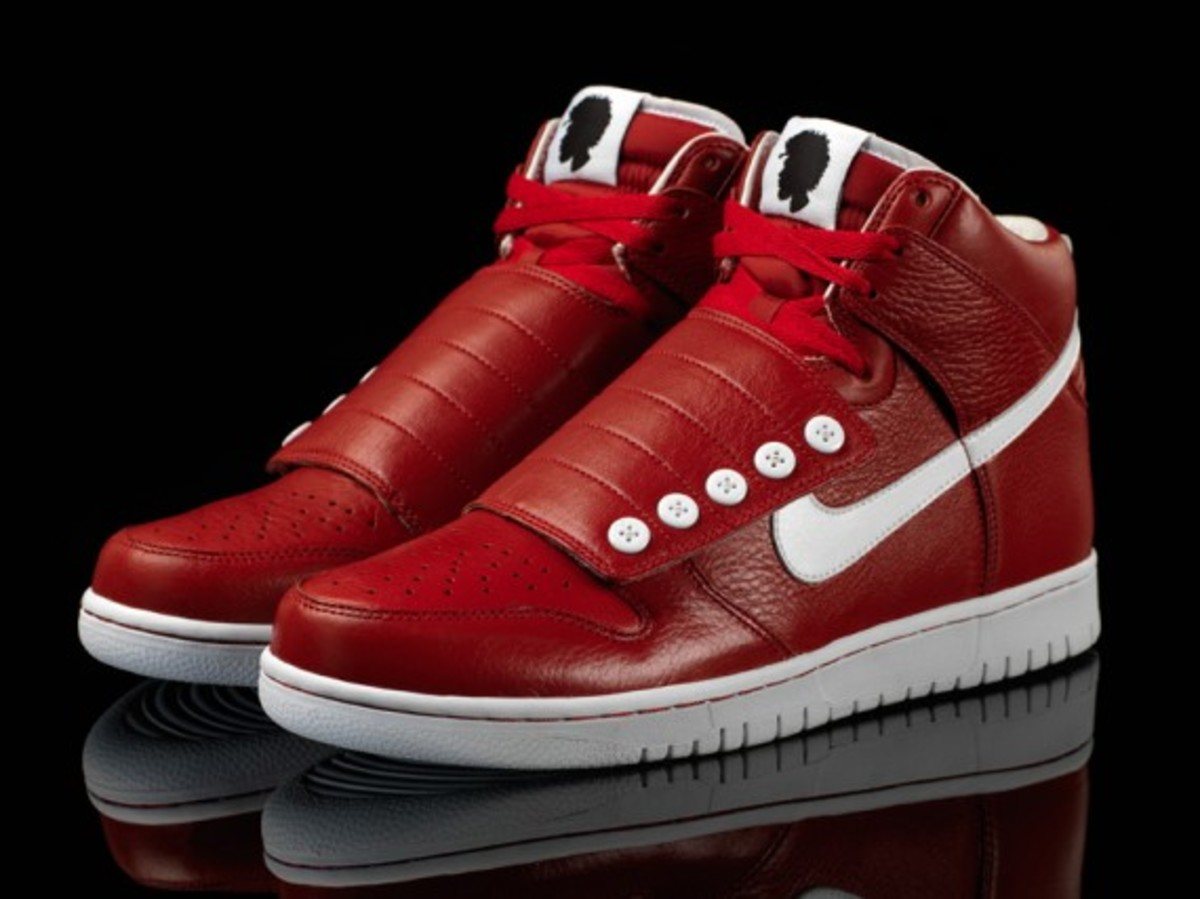Nike-quest_love_dunks_red_pair