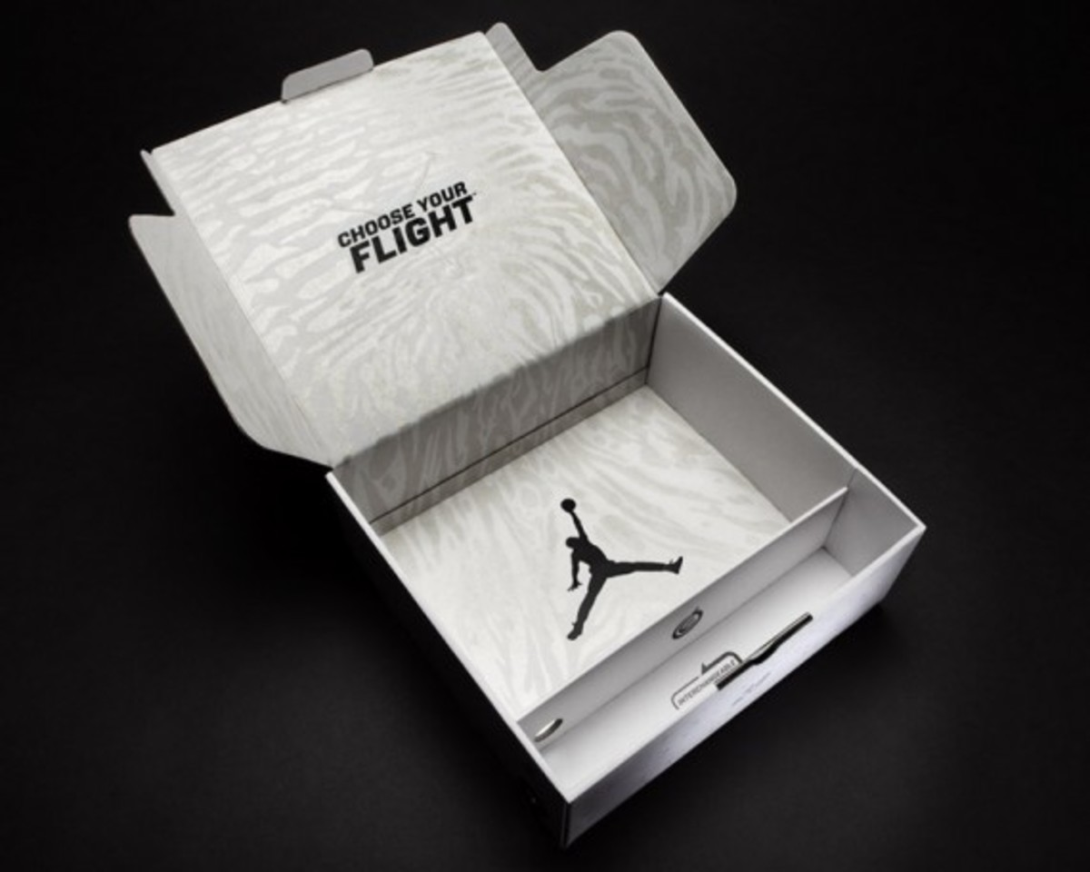 AIR-JORDAN-2011-white-black-018