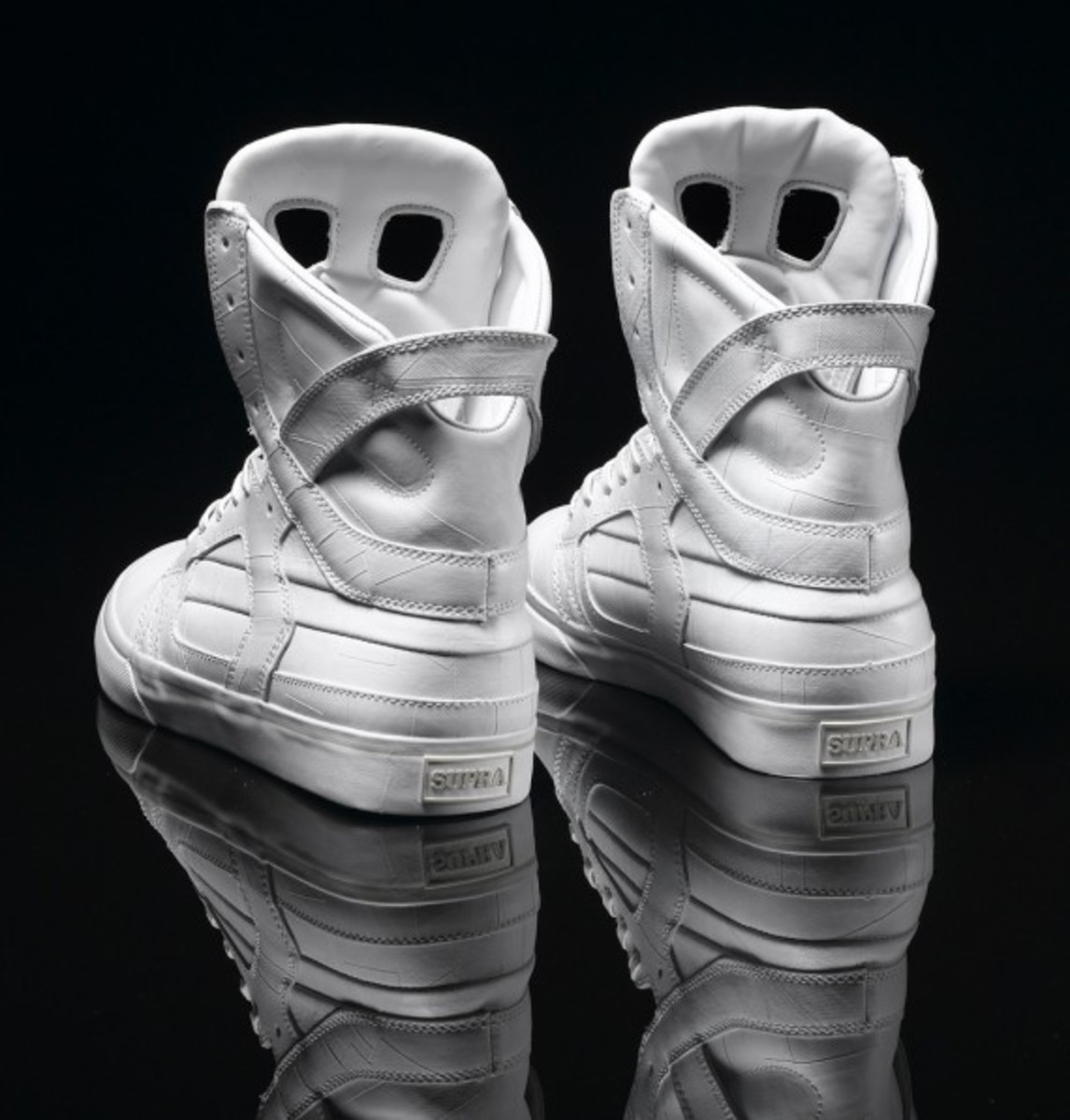 supra-holiday-2010-skytop-ii-white-tuf-03