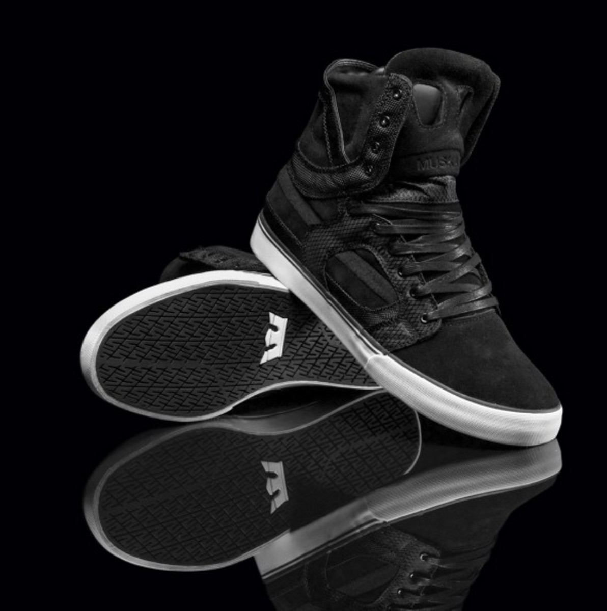 supra-holiday-2010-skytop-ii-mixed-02
