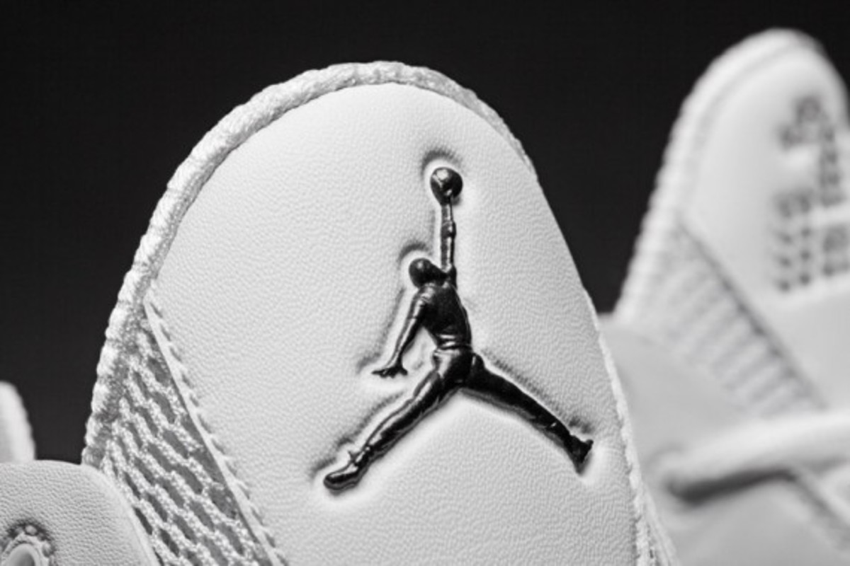 AIR-JORDAN-2011-white-black-008