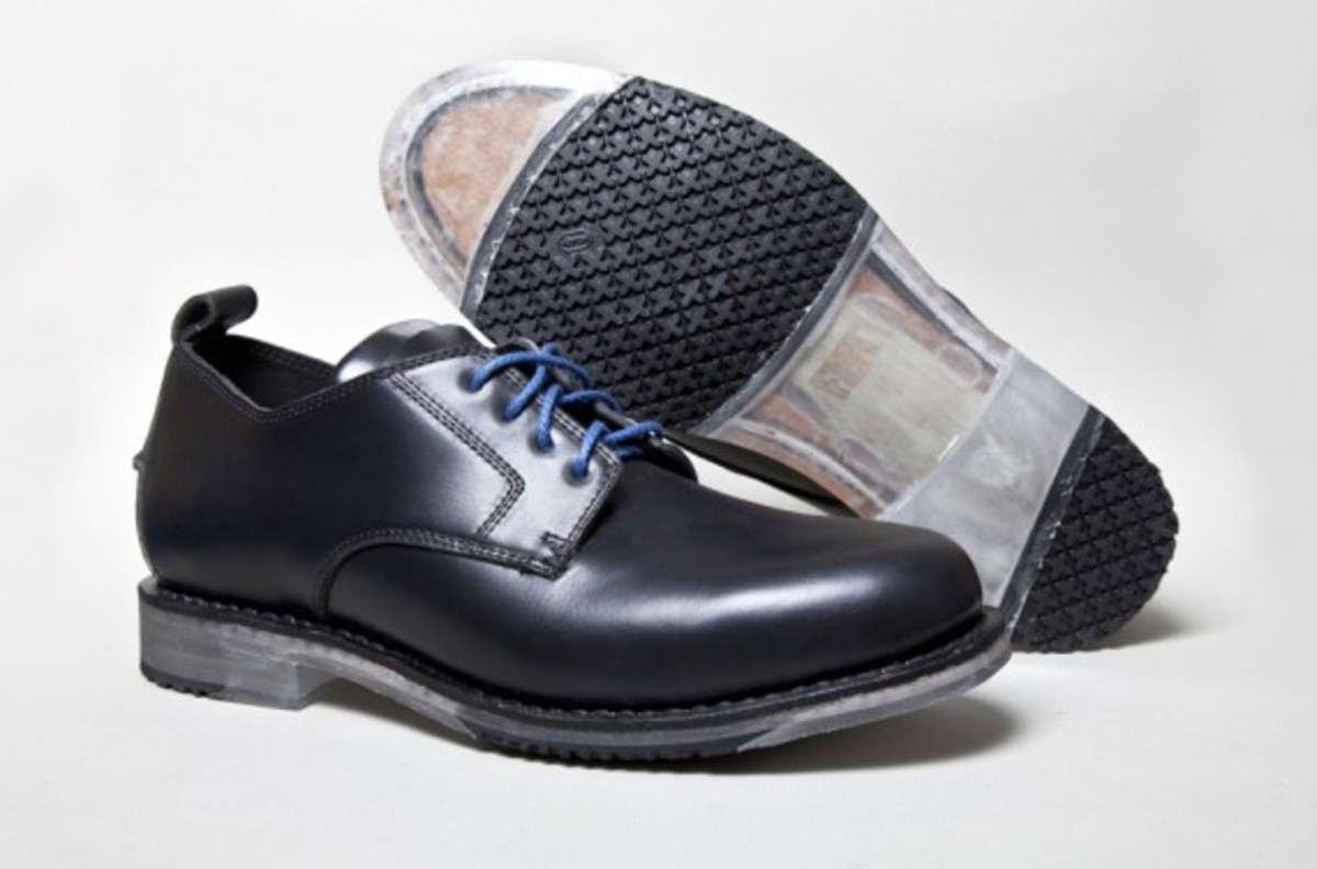 Oxford-Black-Sole