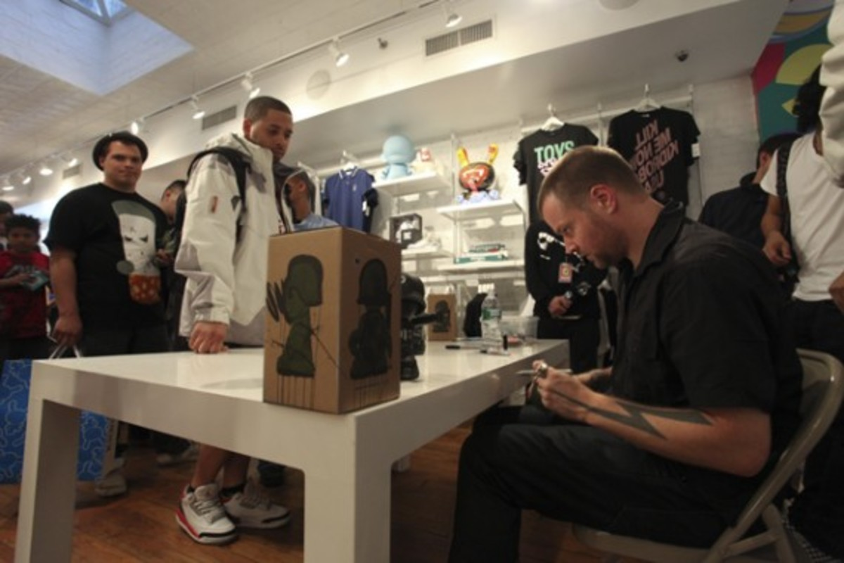 Dave White - Sgt. Robot Signing Event @ Kidrobot NY - 11