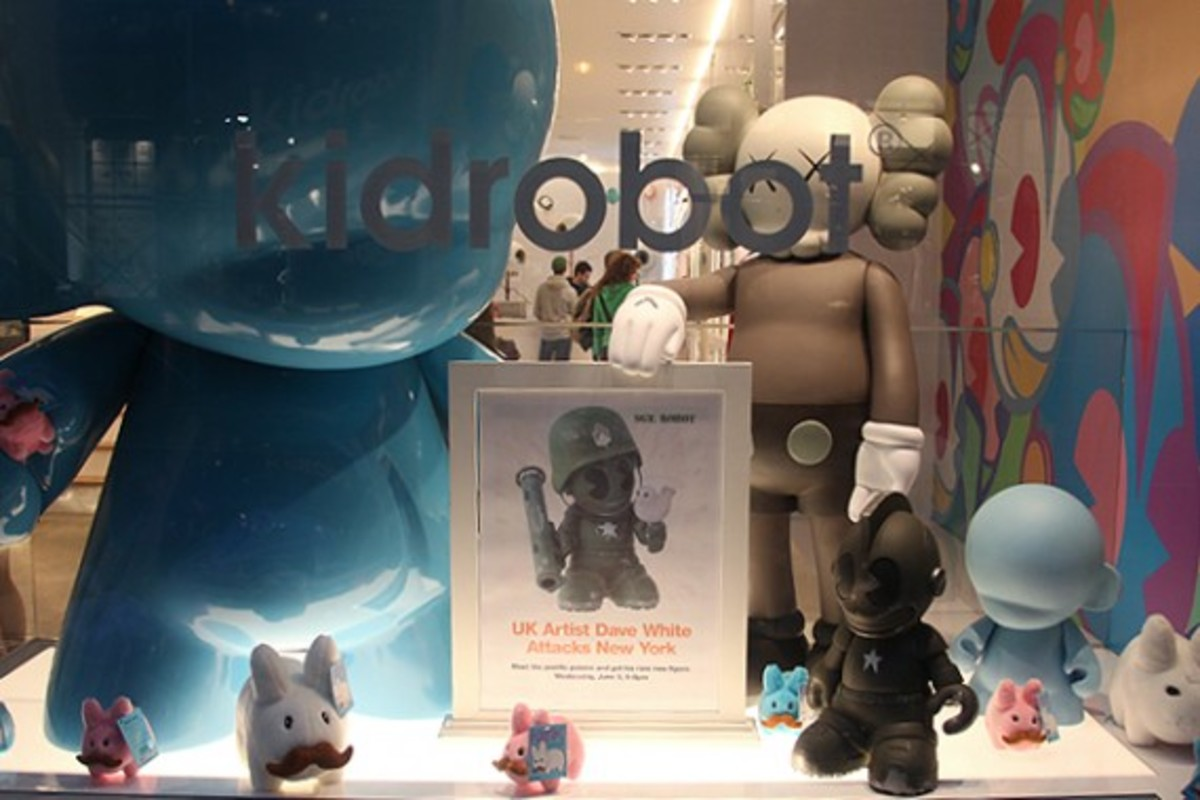 Dave White -  Sgt. Robot Signing Event @ Kidrobot NY - 23