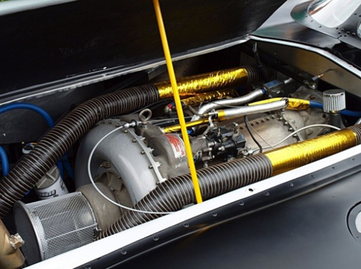 Putsch-Racing-Batmobile-With-Real-Jet-Turbine-Engine-02