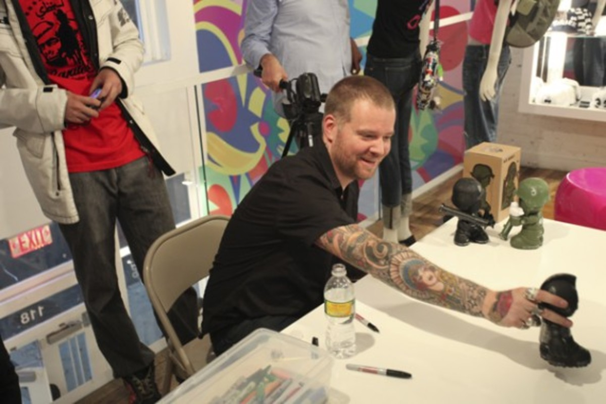 Dave White - Sgt. Robot Signing Event @ Kidrobot NY - 18