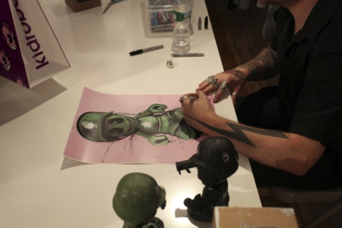 Dave White - Sgt. Robot Signing Event @ Kidrobot NY - 15