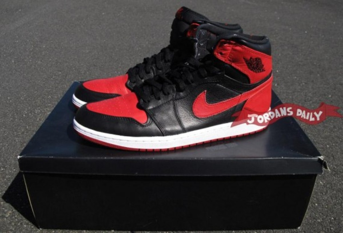 air-jordan-1-banned-edition-02