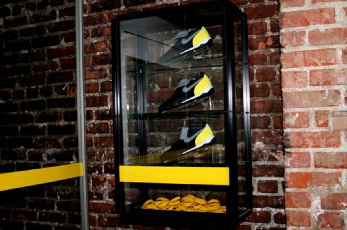 nike-sportswear-x-livestrong-x-undftd-ctrs-4