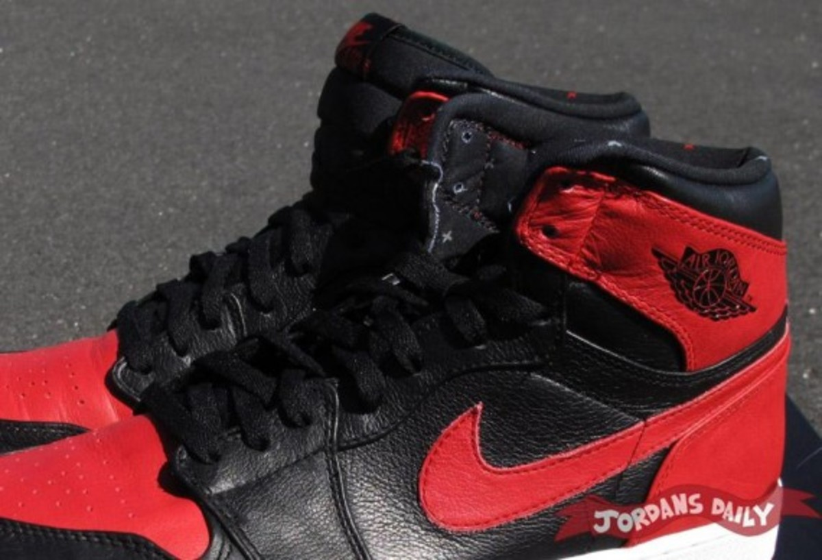 air-jordan-1-banned-edition-03
