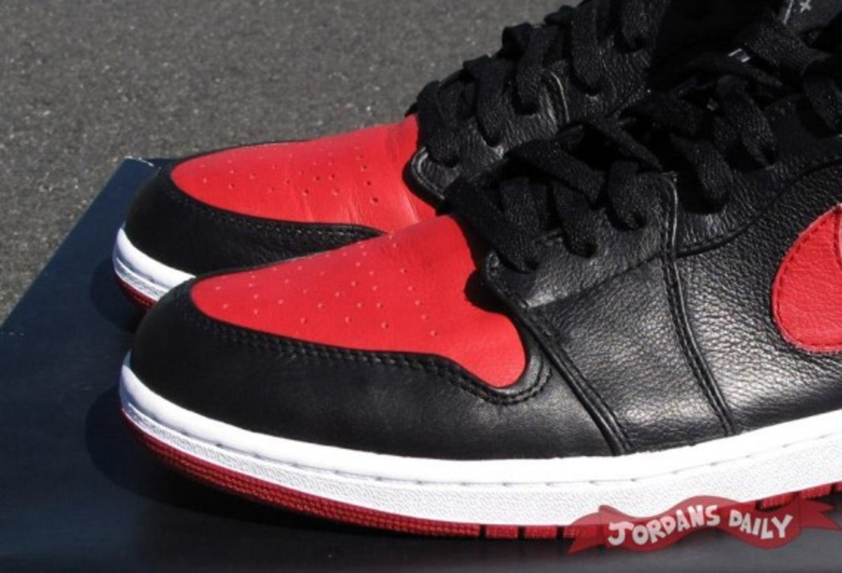 air-jordan-1-banned-edition-04