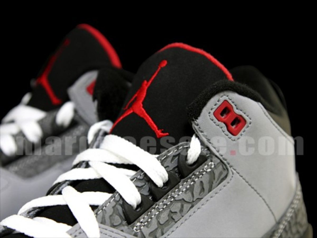air-jordan-iii-3-stealth-09