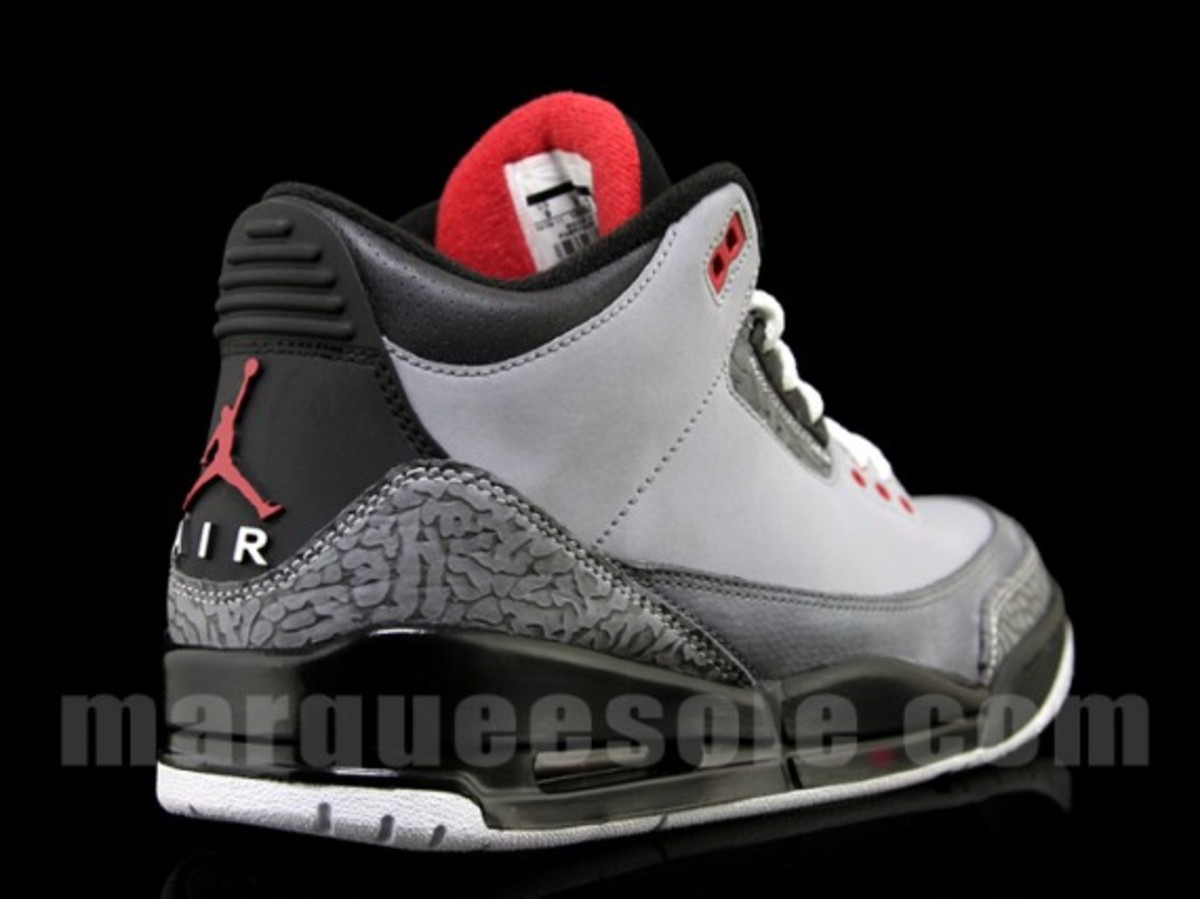 air-jordan-iii-3-stealth-04