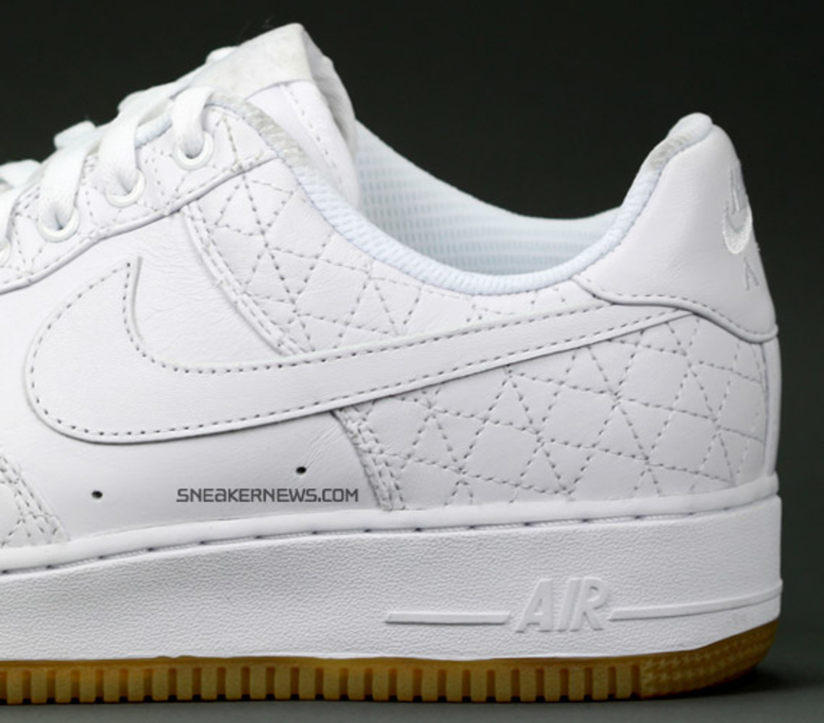 nike_airforce1_un_michael_lau_5