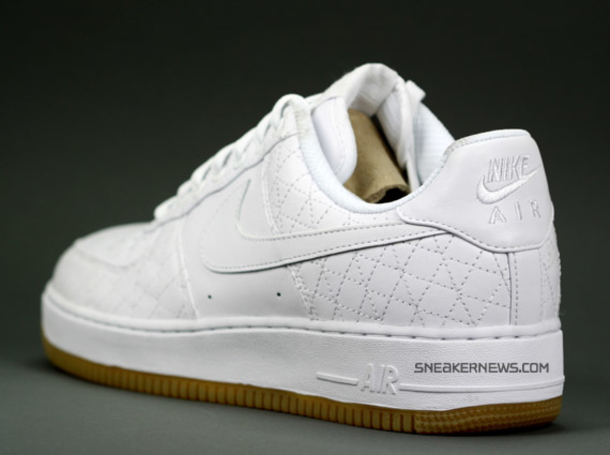 nike_airforce1_un_michael_lau_3