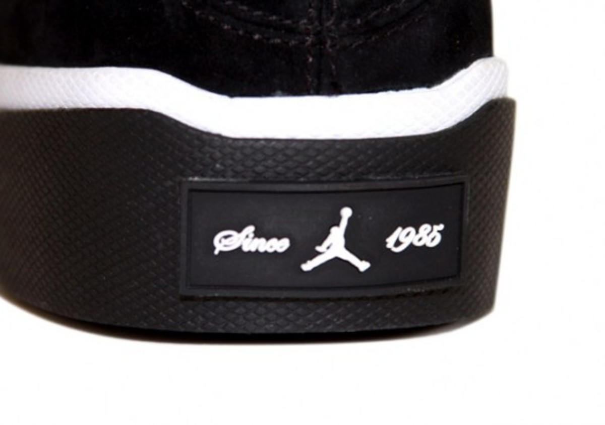 air-jordan-campus-chukka-black-white-2