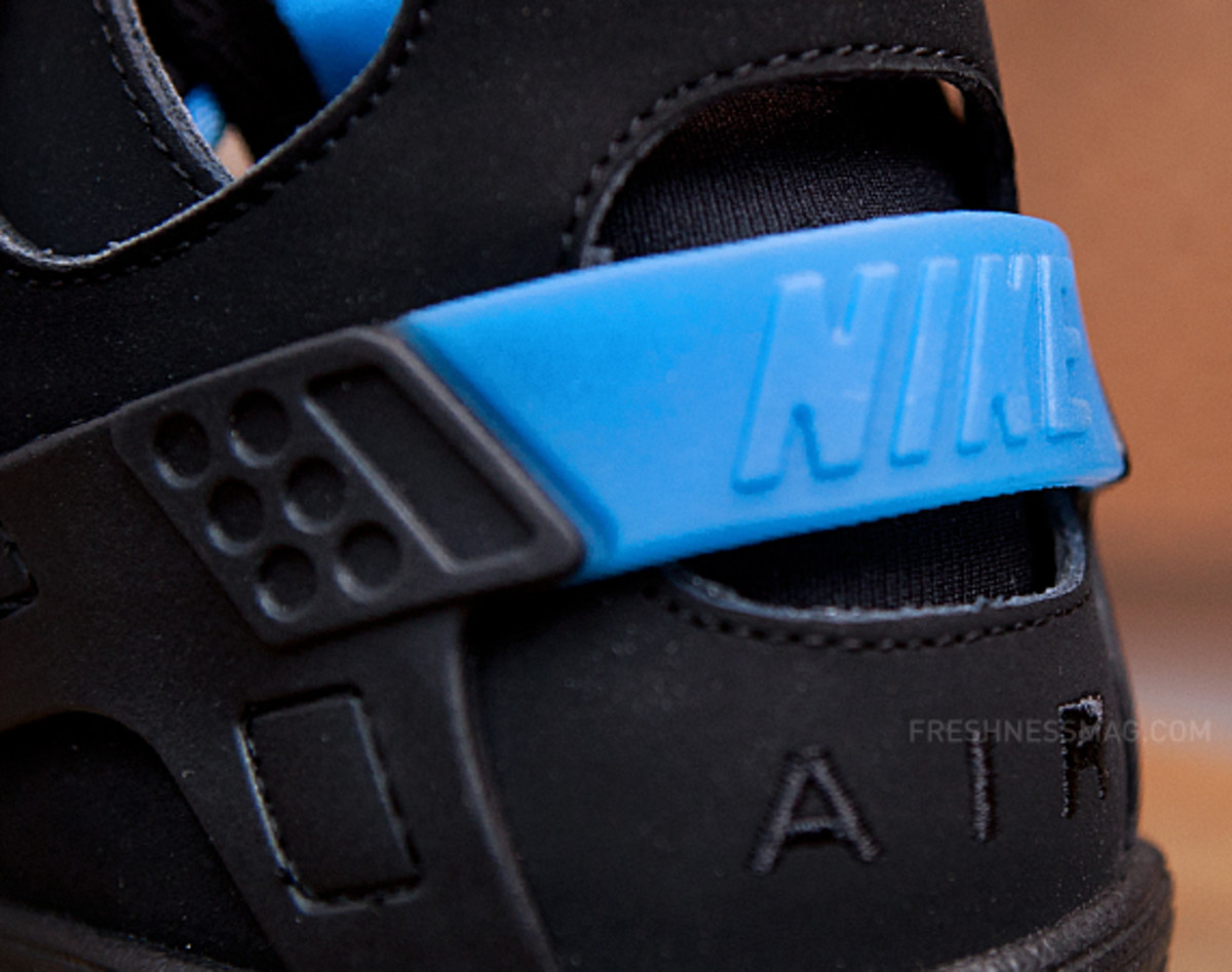 nike-air-huarache-basketball-2012-qs-black-italy-blue-00