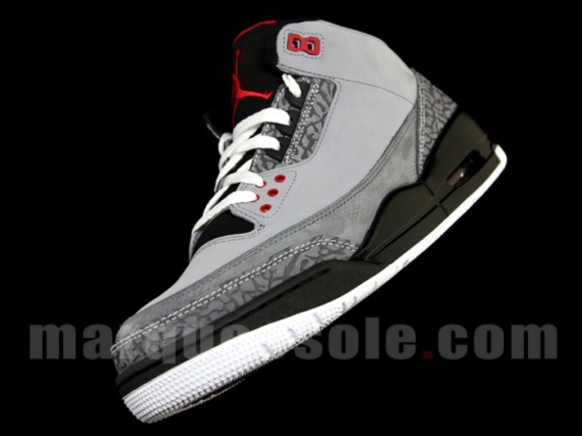 air-jordan-iii-3-stealth-01