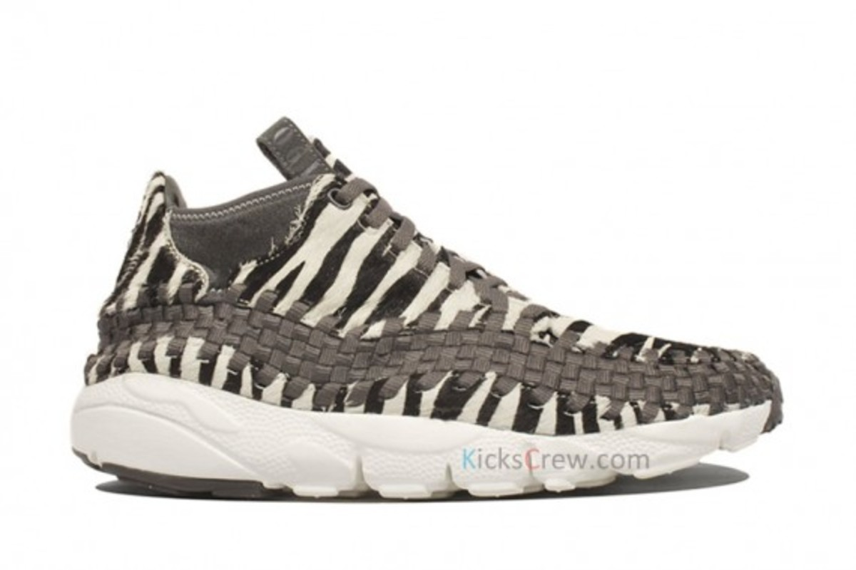 air-footscape-woven-motion-zebra-01