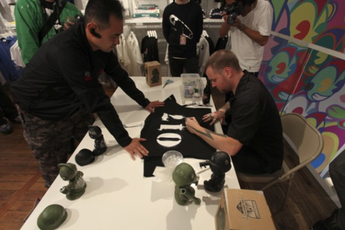 Dave White - Sgt. Robot Signing Event @ Kidrobot NY - 16