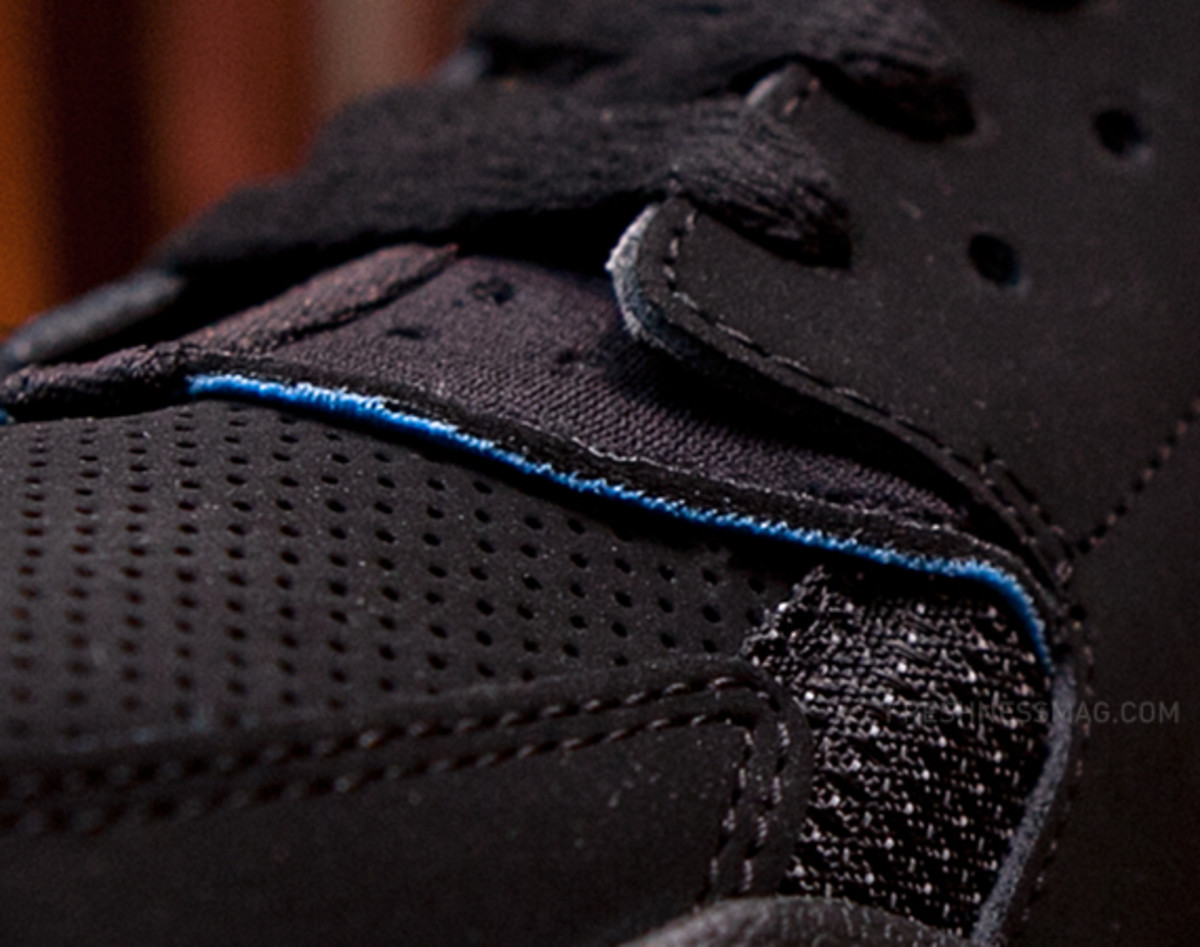 nike-air-huarache-basketball-2012-qs-black-italy-blue-05