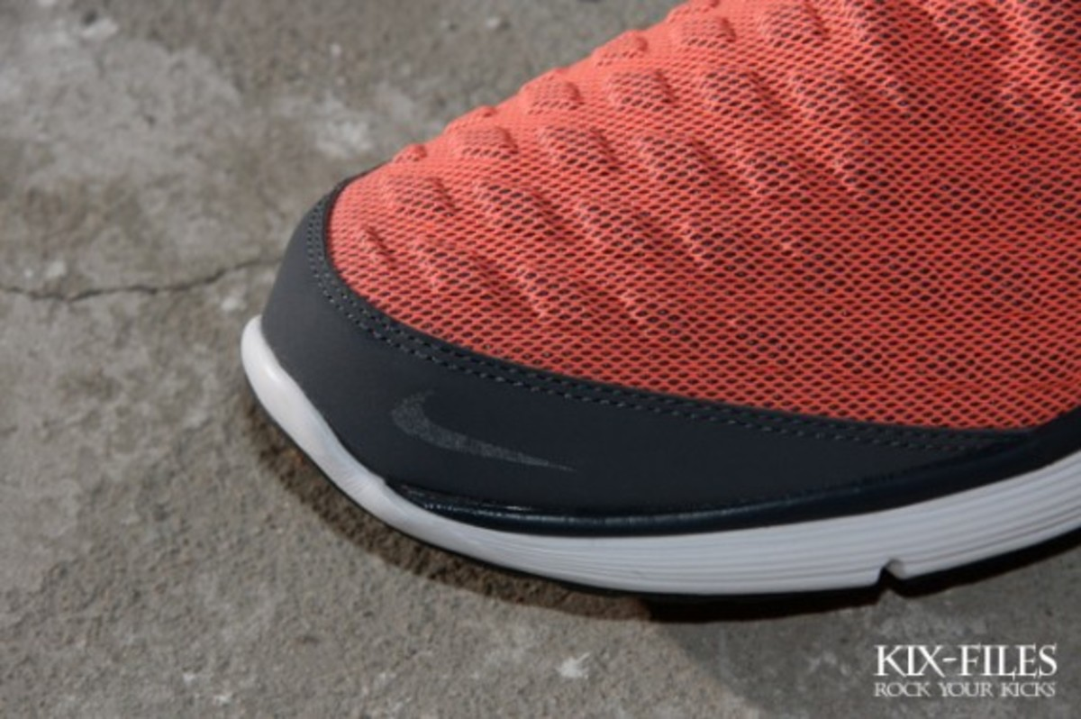 nike-sportswear-lunar-orbit-summer-2011-collection-5