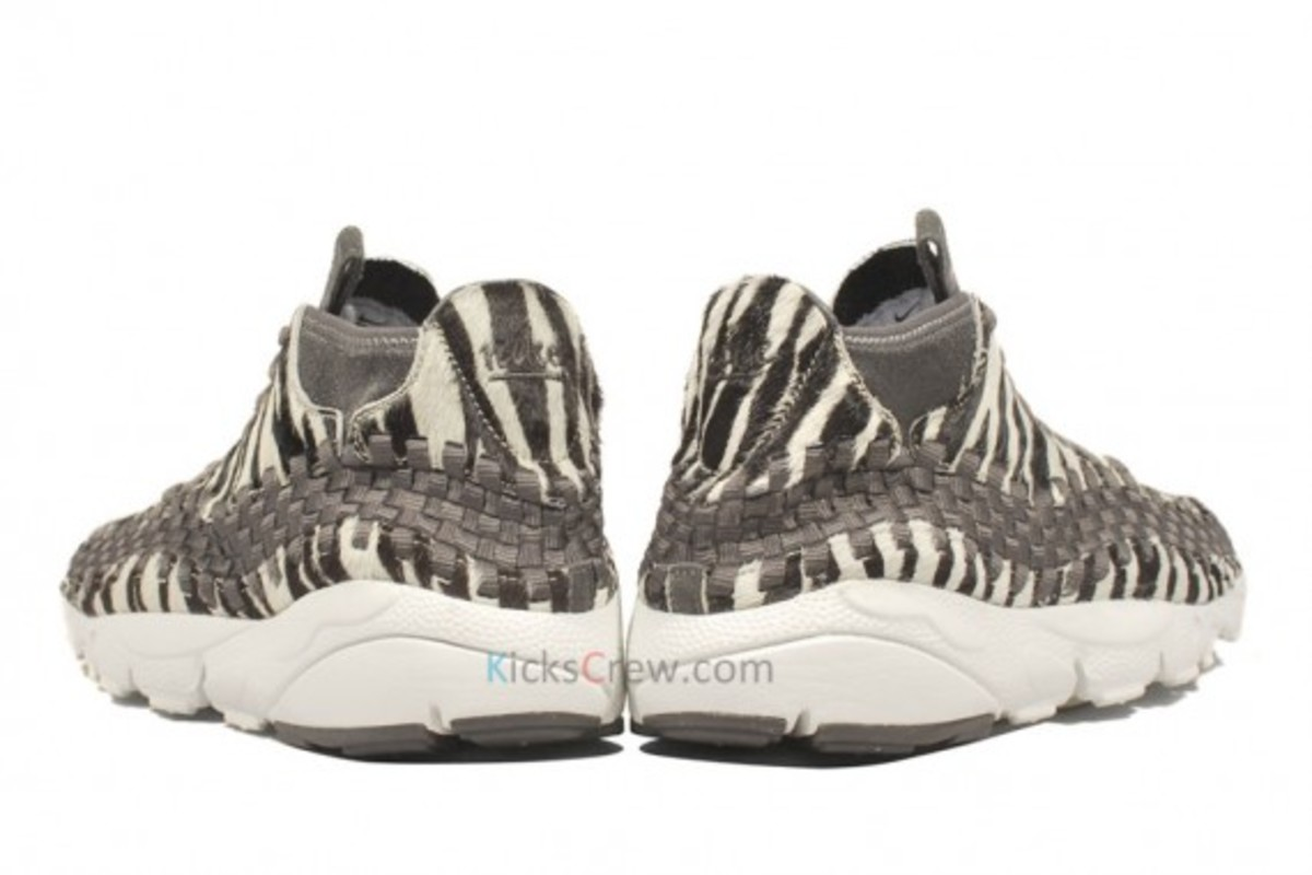 air-footscape-woven-motion-zebra-04