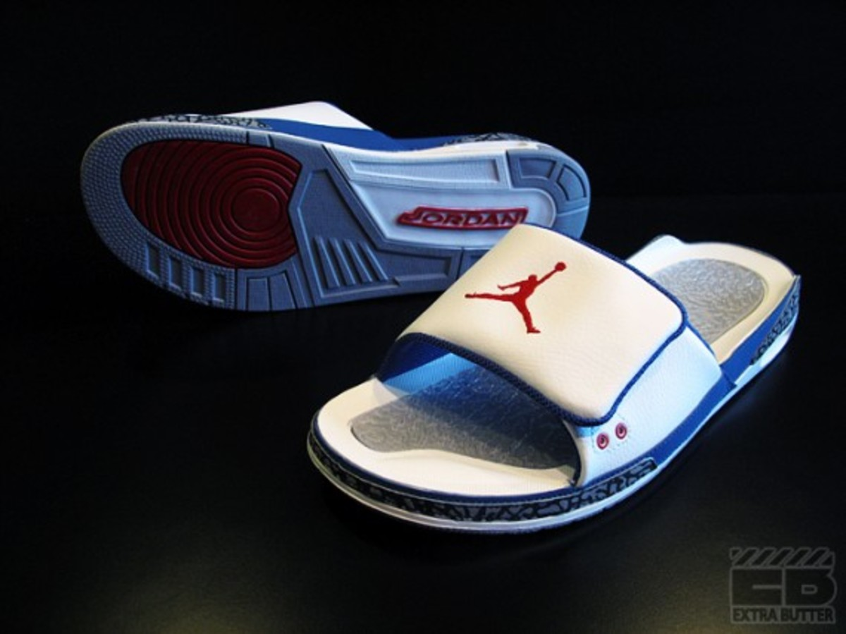 air-jordan-iii-retro-slide-true-blue-03