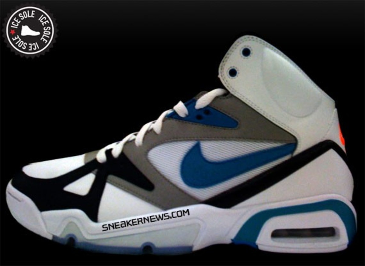 nike-hoop-structure-air-structure-triax-colorway-2
