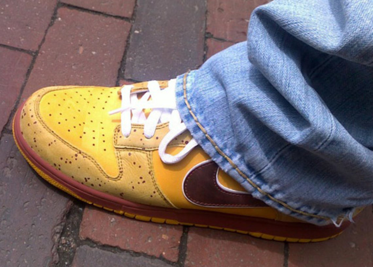 nike-sb-x-concepts-dunk-low-premium-yellow-lobster-1