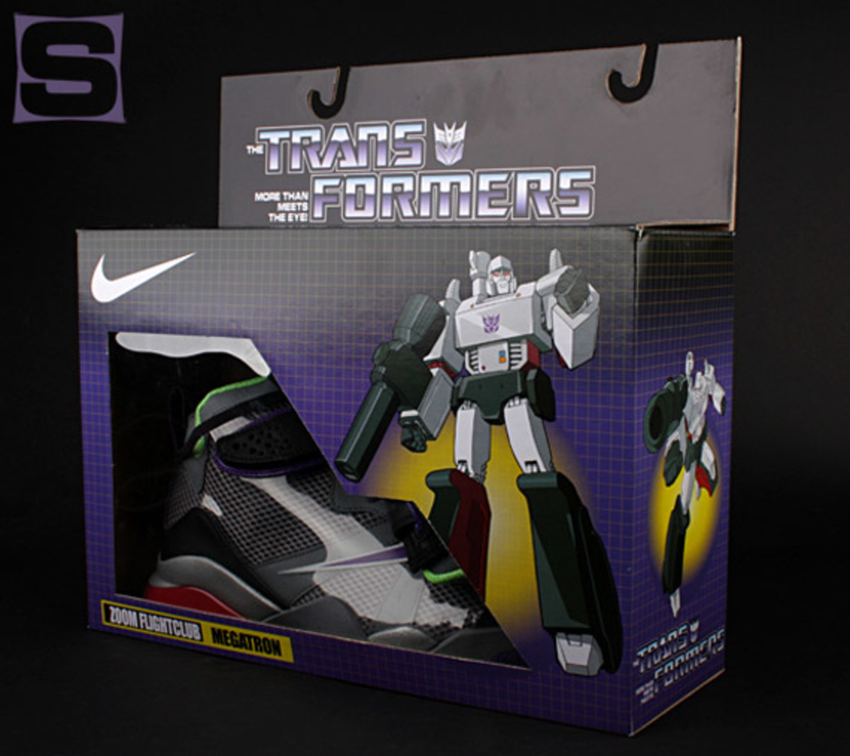 nike-zoom-flight-club-transformers-megatron-01